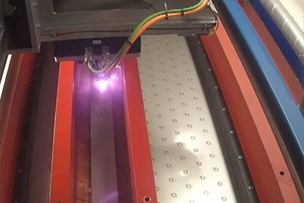 Cropped Soudage Laser
